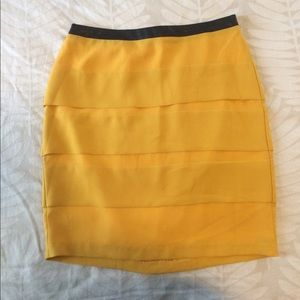 Dresses & Skirts - Yellow/black Mini Skirt with leather detail